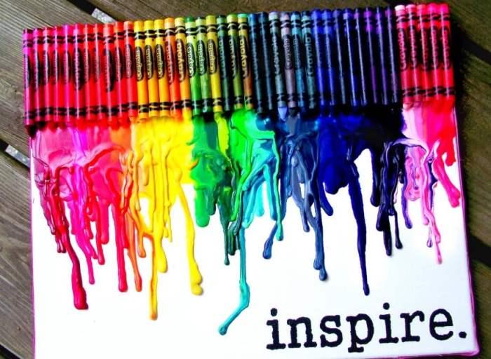 Gambar Abstrak Crayon