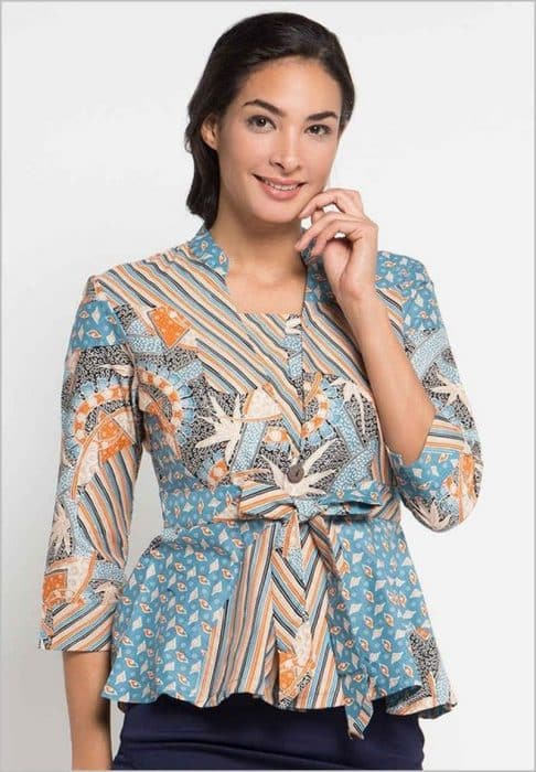 Model Baju Batik Wanita Remaja Terbaru : model, batik, wanita, remaja, terbaru, Tunik, Batik, Atasan, Model, Terbaru, Wanita, Berhijab, HijabFest