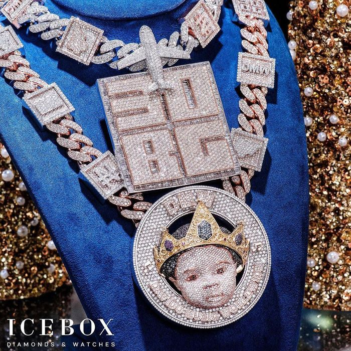 Davido Puts His Son's Head On A Diamond Encrusted Necklace Worth Ghc2 million