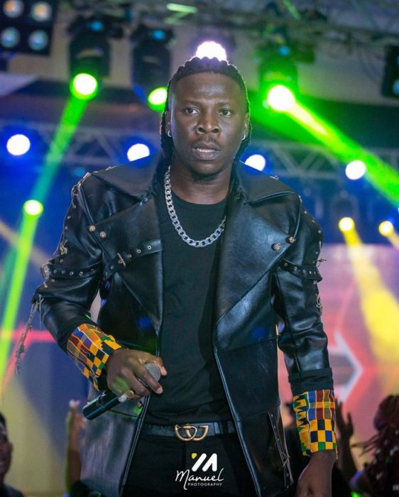 """Watch Stonebwoy's Energetic Performances During His 2019 """"Ashaiman To The World"""" Concert"""