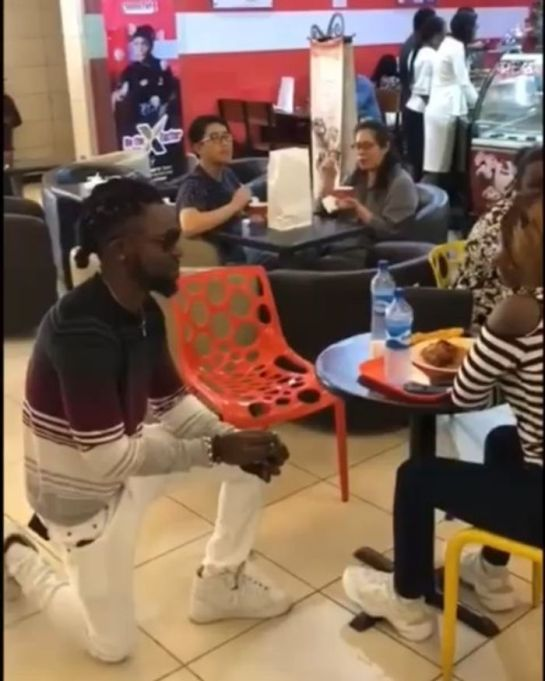 Angry Guy Removes Shoes He Bought From Girlfriend's Feet After She Rejected His Proposal