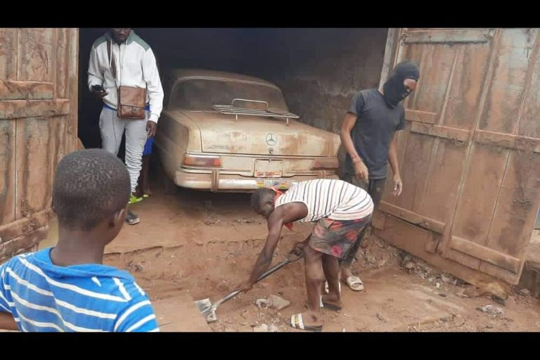 PHOTOS: The Cock And Bull Story Of How A Rich Ghanaian Man Hid His Mercedes Benz Cars In A Metal Garage For 35 Years Because Of Late Jerry Rawlings