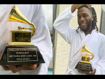 """PHOTOS: Burna Boy finally Receives His Grammy-Award """"Trophy"""""""