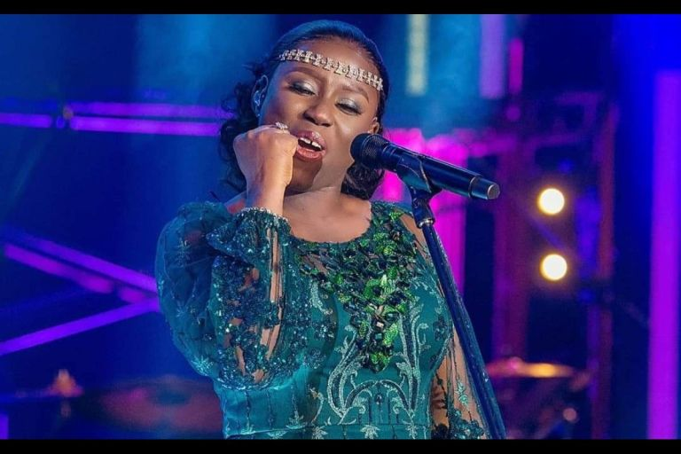 Diana Hamilton Beats KiDi, Sarkodie And Others To Win VGMA22 'Artiste Of The Year' Award