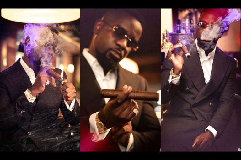 Sarkodie Likely To Lose Corporate Deals As Civil Society Organizations Condemn Him Over His cigar-smoking Pictures On Social Media