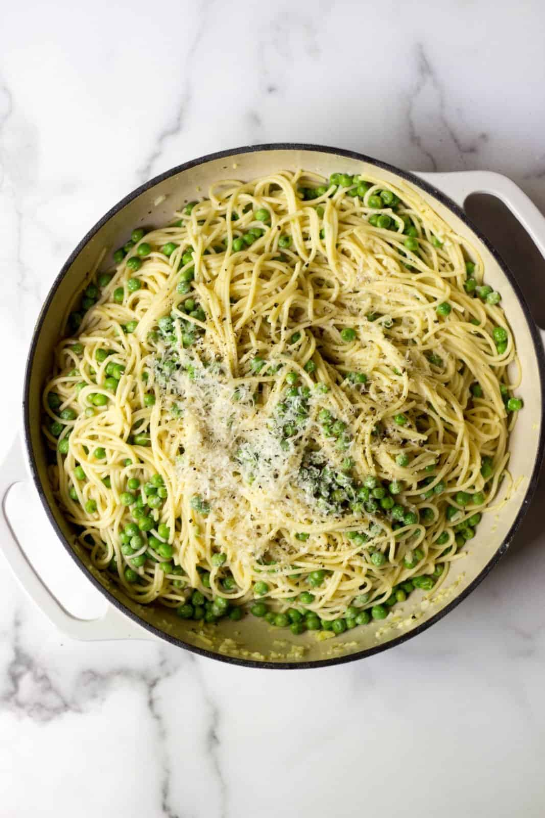 Simple Spaghetti with Peas, Garlic & Parmesan