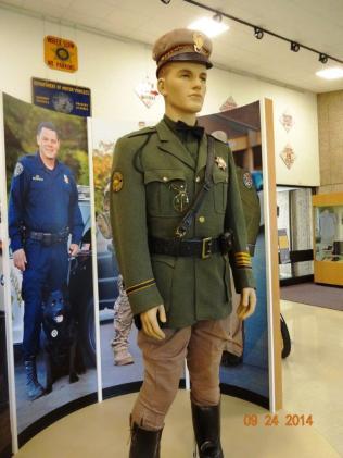 1953 5-0p6 but 1930-1950s CHP uniform