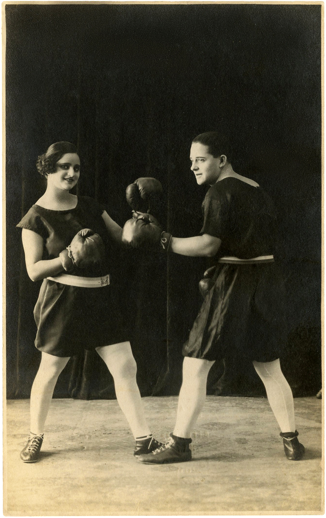 Vintage Man And Woman Boxing Photo  Funny!  The Graphics