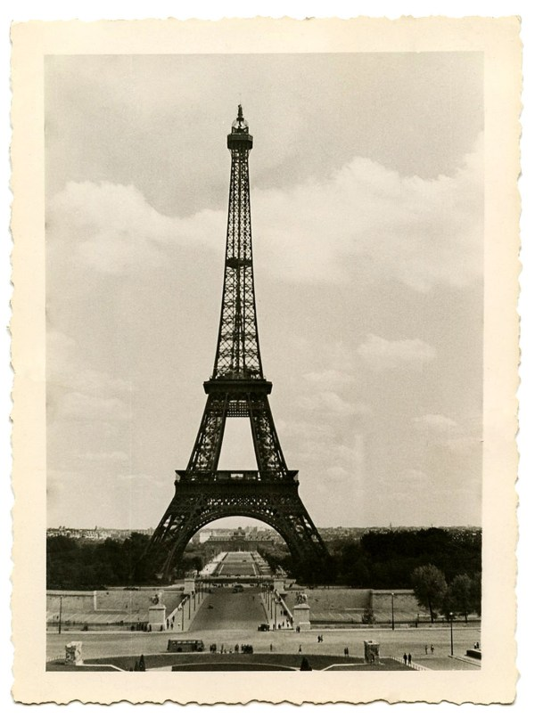 8 Vintage Eiffel Tower Clip Art - Graphics Fairy