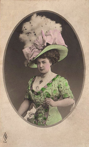 Victorian Women Hats Victorian lady with fabulous