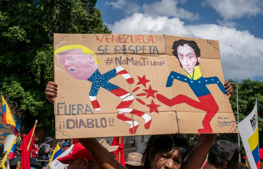 Venezuela no more Trump protest Bolivar kicking