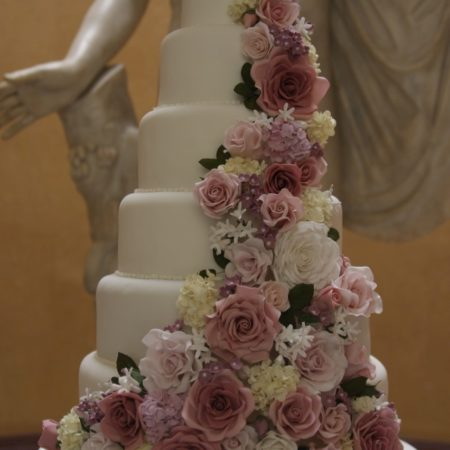 Brother S 6 Tier Wedding Cake The Great British Bake Off