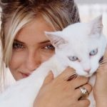 Cameron Diaz and cat, famous cat lovers