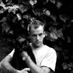 Johnny Lee Miller and cat