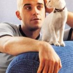Robbie Williams and cat