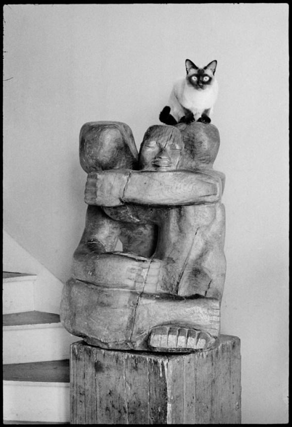 Cat on Statue, Ile de France region, Paris, Nuit Oppède, 1967 Martine Franck