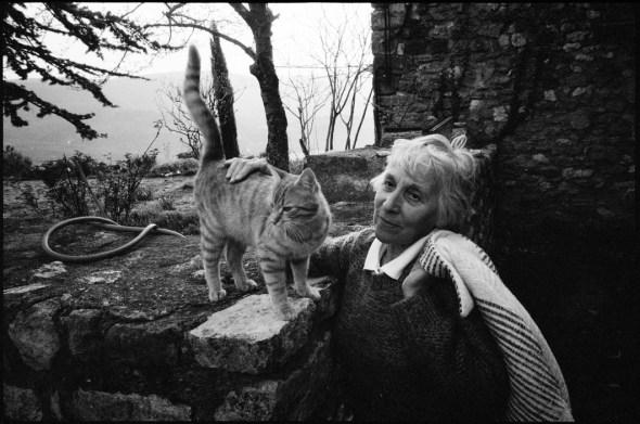 French Painter Françoise Boudet, and cat, 1996, Martine Franck