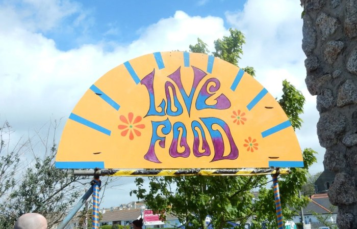 Love Food Sign