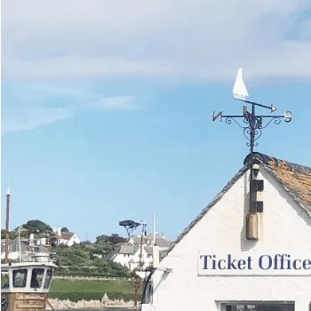 St Mawes Ticket office on the harbour