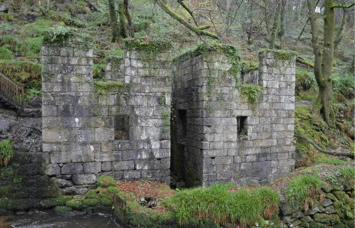 the abandoned gunpowder works at Kennall Vale