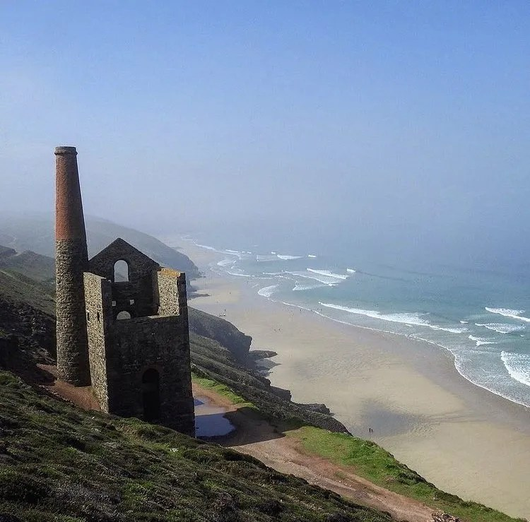 Wheal Coates tin mine with the beach and sea