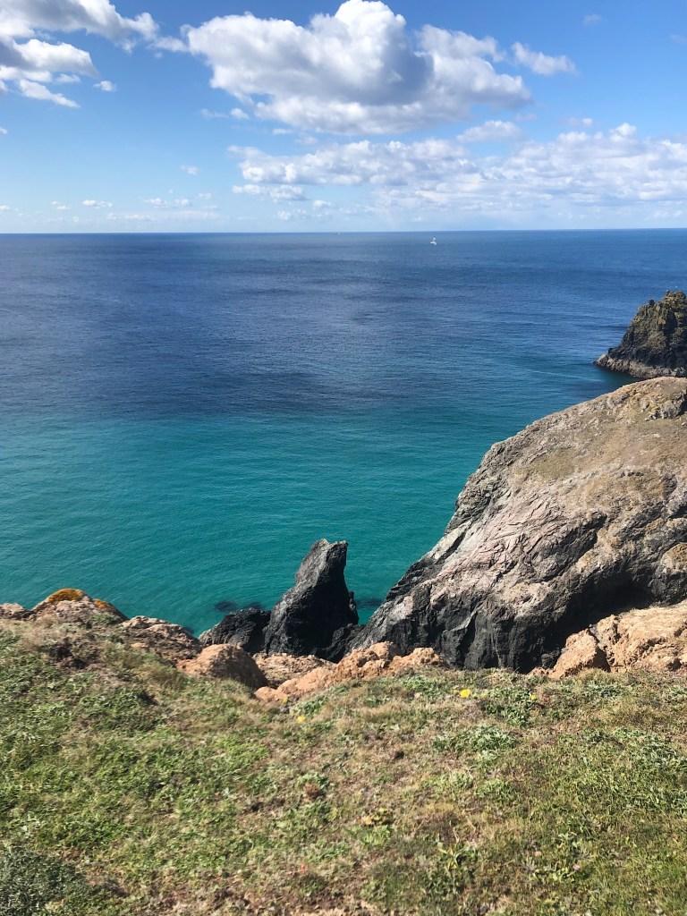 The sea and cliff on the Cornish coast