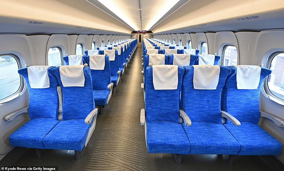 While the N700S looks very similar to the N700A trains it's replacing, it boasts a number of impressive new features