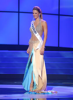 Shandi wore the same gown at Miss Universe prelims
