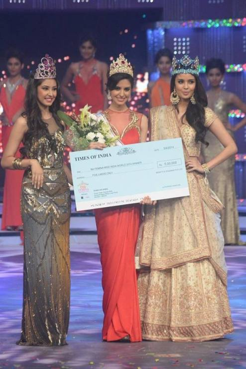 (L to R: Navneet Kaur, Koyal Rana, Megan Young)