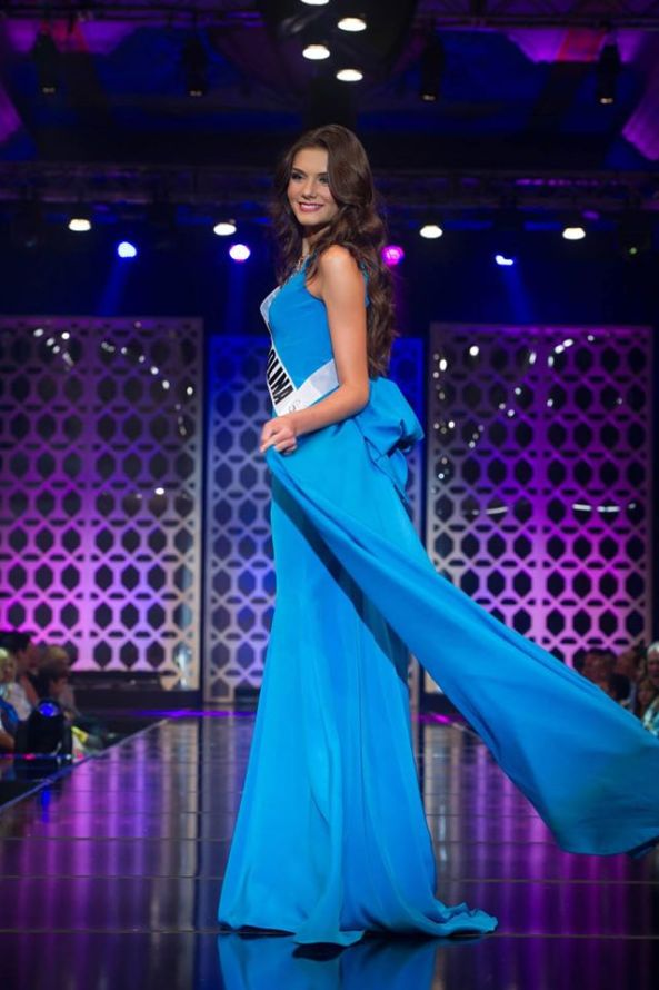 During the Evening Gown Round