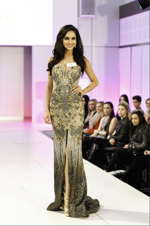 Miss India Koyal Rana won the dress Designer Award.  Her gown was designed by Shane & Falguni Peacock & she was styled by Rocky S.  Scotland and Dominican Republic completed the Top 3 for the award.