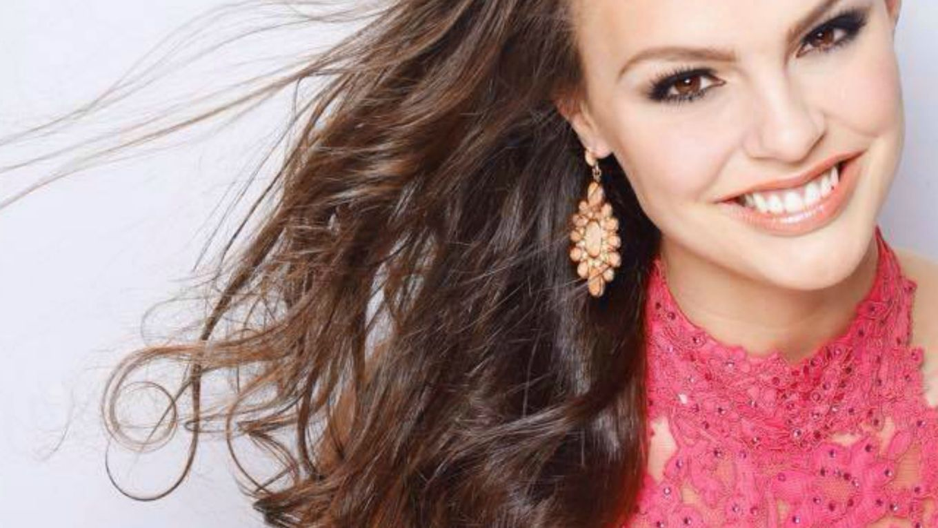 Kate Redeker wins Miss Wisconsin USA 2016