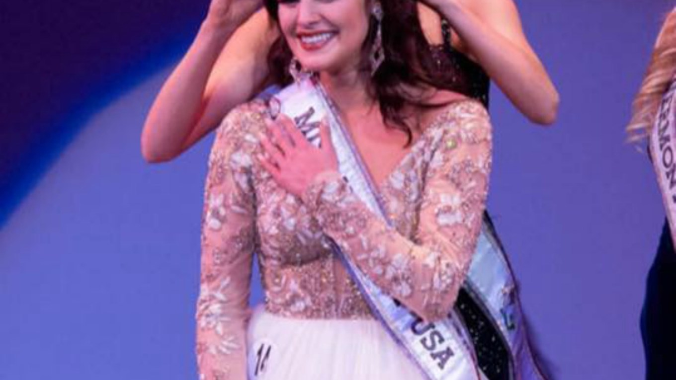Nelly Fortune will represent Vermont at Miss USA 2016 pageant