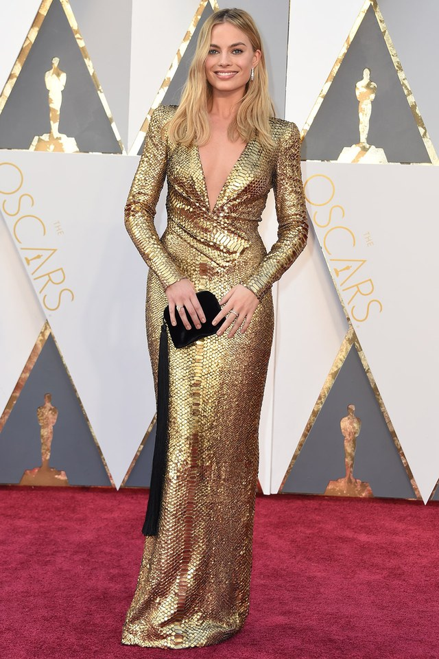 Margot Robbie in Tom Ford she was in our best list in Best and the worst dressed at Oscars 2016