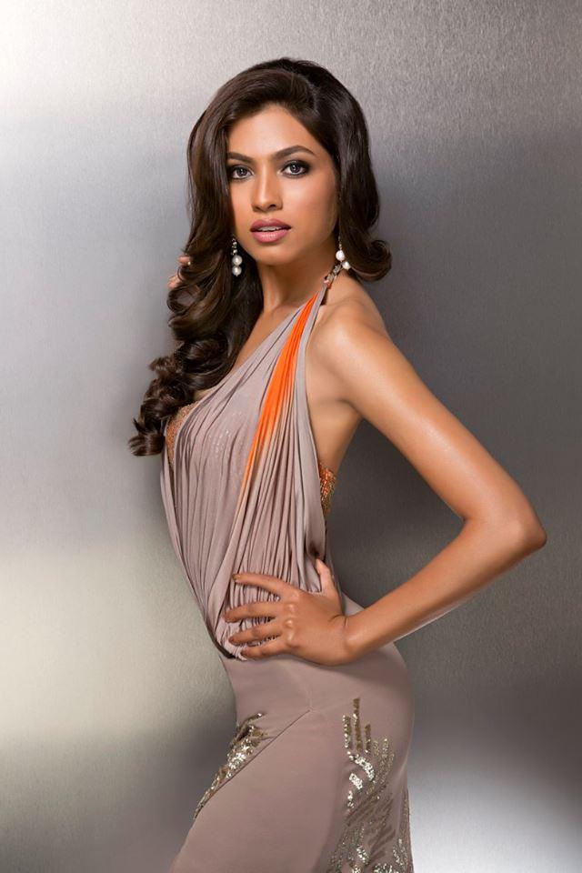 Zeba Baig during Femina Miss India Delhi 2016 Glam Shots