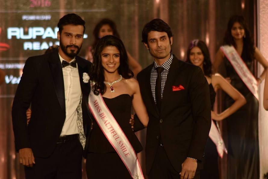 Akshita Yadav won Miss Beautiful Smile at Femina Miss India 2016 Sub Contest