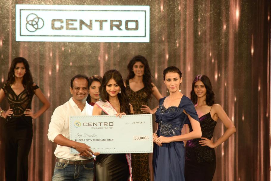 Priyadarshini Chatterjee won Centro Shoes Miss Rampwalk at Femina Miss India 2016 Sub contest