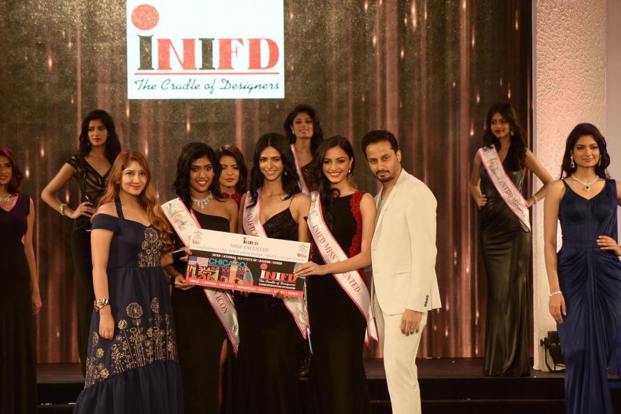 Dnyanda Shringarpure, Gayathri Reddy and Pankhuri Gidwani won INIFD Corporate Miss Talented at Femina Miss India 2016 Sub Contest