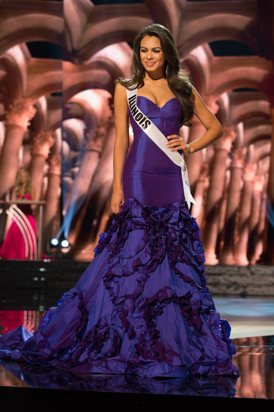 Zena Malak, Miss Illinois USA 2016 is one of the worst in Best and the worst Evening Gowns at Miss USA 2016 Preliminary show