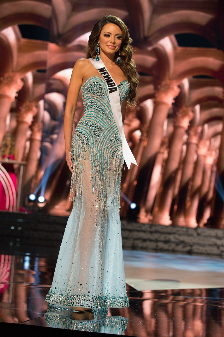 Emelina Adams, Miss Nevada USA 2016 is one of the worst in Best and the worst Evening Gowns at Miss USA 2016 Preliminary show