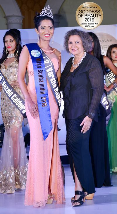 Miss Scuba India 2016 – Varsha Rajkhowa – crowned by Meher Castelino (Miss India 1964)