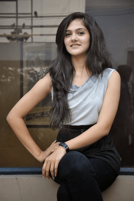 Simran Choudhary is Femina Miss India Telangana 2017
