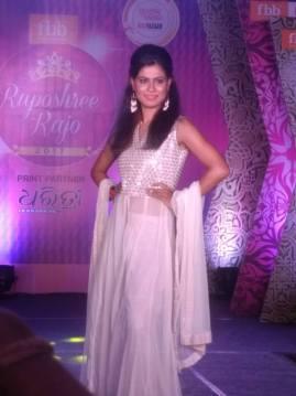 Miss TGPC 2017 finalist Roma Jee wins fbb Ruposhree Rajo 2017 second runner-up title
