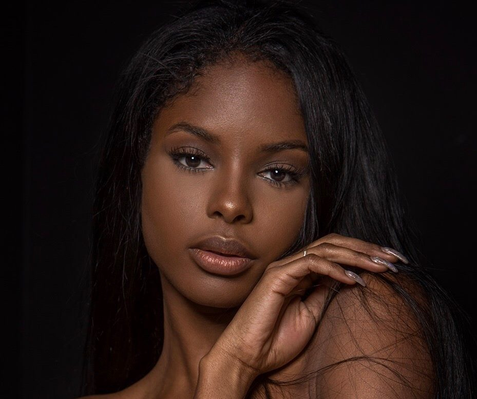 CHRISSY LA'PARRIEA is competing at America's Miss World 2017