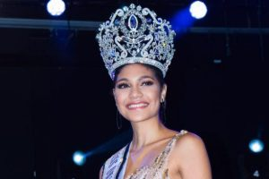 April Tobie crowned as Miss Universe Honduras 2017