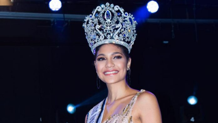 April Tobie crowned as Miss Universe Honduras 2017