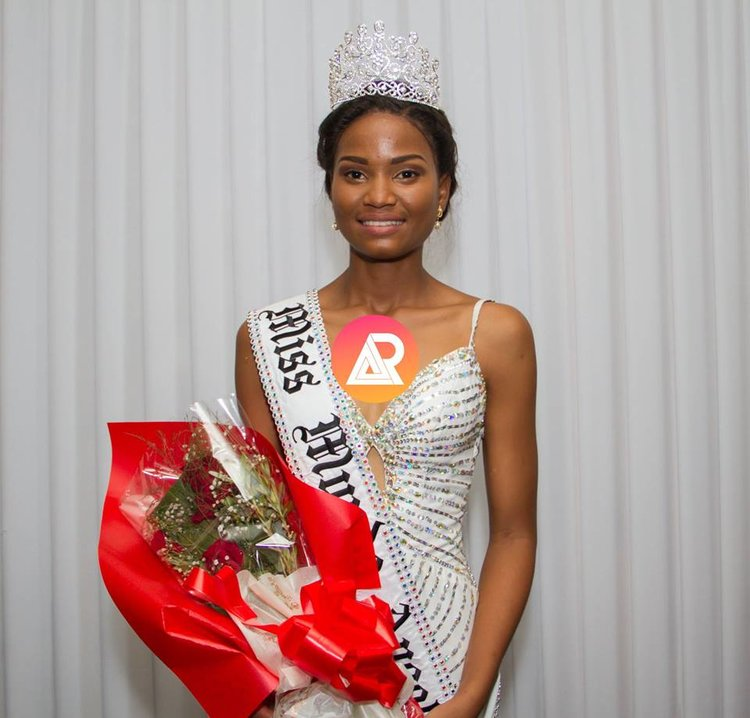 Nelma Ferreira wins Miss World Angola 2018