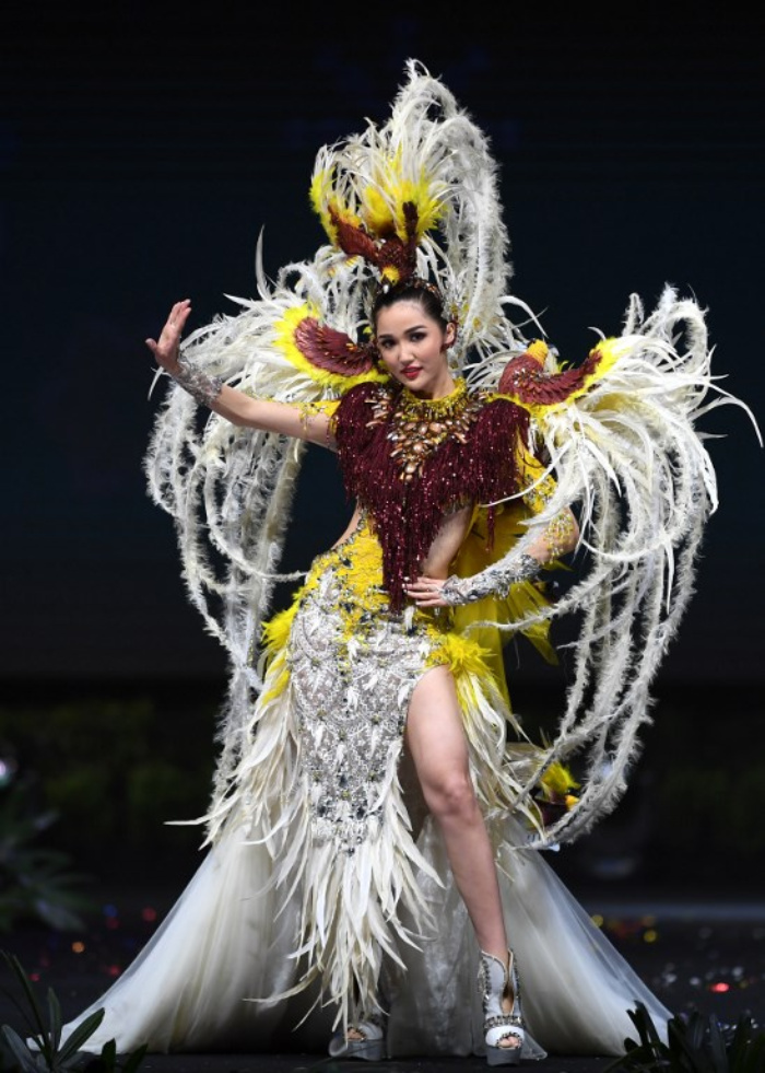 Miss Universe Indonesia,Sonia Fergina Citra during the national costume presentation