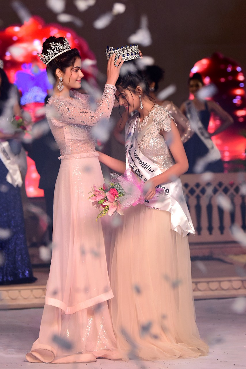 Tanvi Malhara crowned as Miss India Multinational 2019
