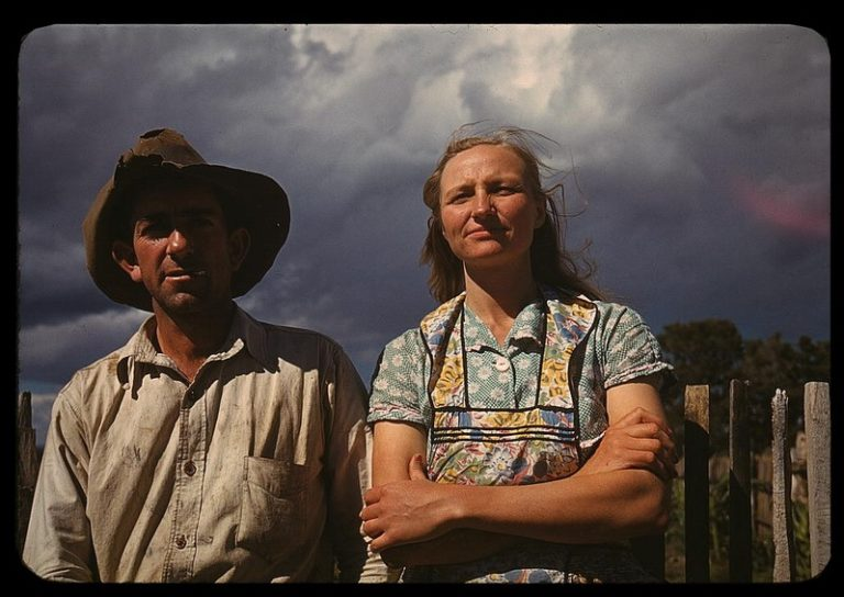 https://i0.wp.com/thegreatrecession.info/blog/wp-content/uploads/Great-Depression-Farmer-and-Wife-768x544.jpg